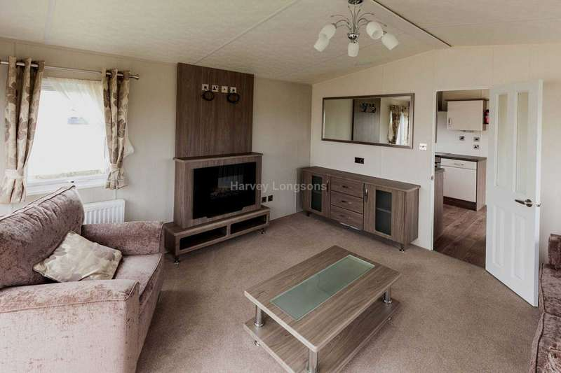 2 Bedrooms Lodge Character Property for sale in Seawick, Essex