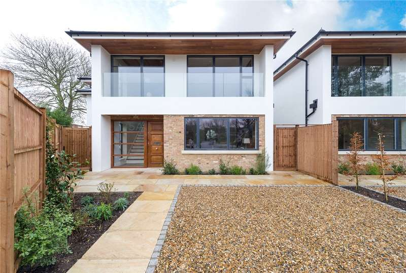 4 Bedrooms Detached House for sale in Hazelwood Close, Ealing, London, W5