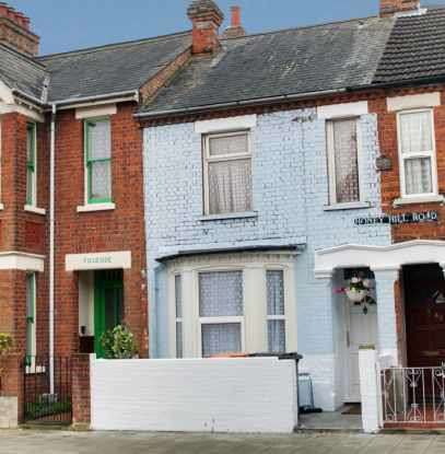 3 Bedrooms Terraced House for sale in Honeyhill Road, Bedford, Bedfordshire, MK40 4NW