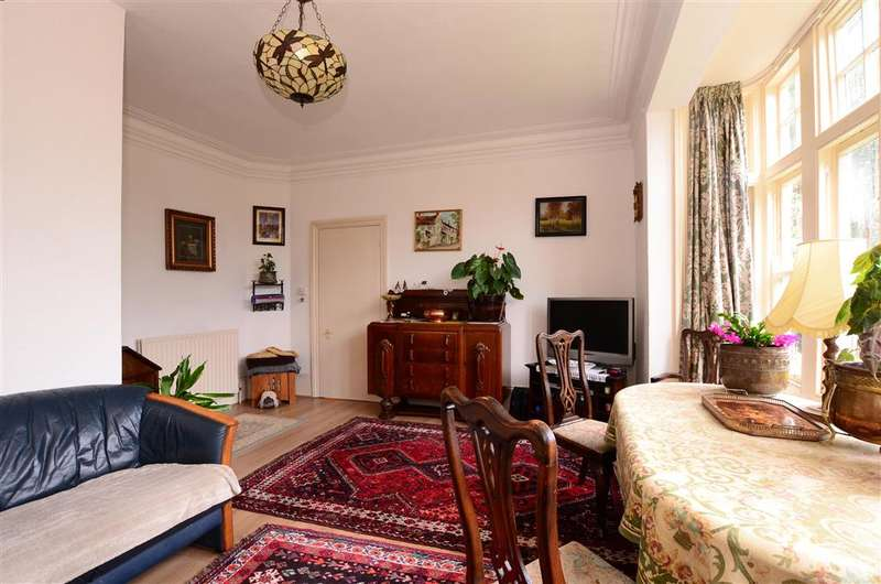 2 Bedrooms Ground Flat for sale in Wykeham Road, Worthing, West Sussex