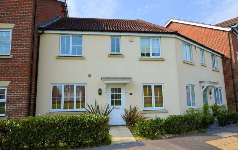 3 Bedrooms Terraced House for rent in Benham Drive, Spencers Wood, Reading, RG7