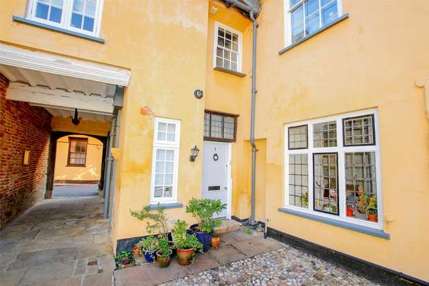 1 Bedroom Flat for sale in 1 Hampton Court, King's Lynn
