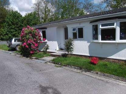 2 Bedrooms Bungalow for sale in Tavistock