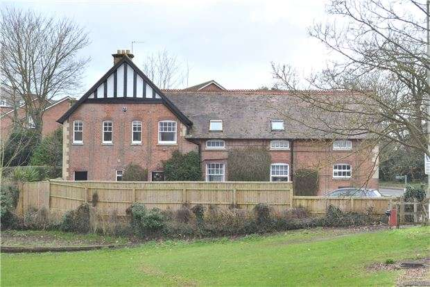 5 Bedrooms Detached House for sale in Abbey Cottage Stables, Gloucester Road, TEWKESBURY, Gloucestershire, GL20 5SS