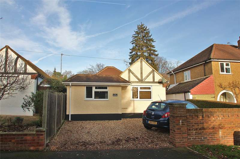 3 Bedrooms Detached Bungalow for sale in Batten Avenue, Woking, Surrey, GU21