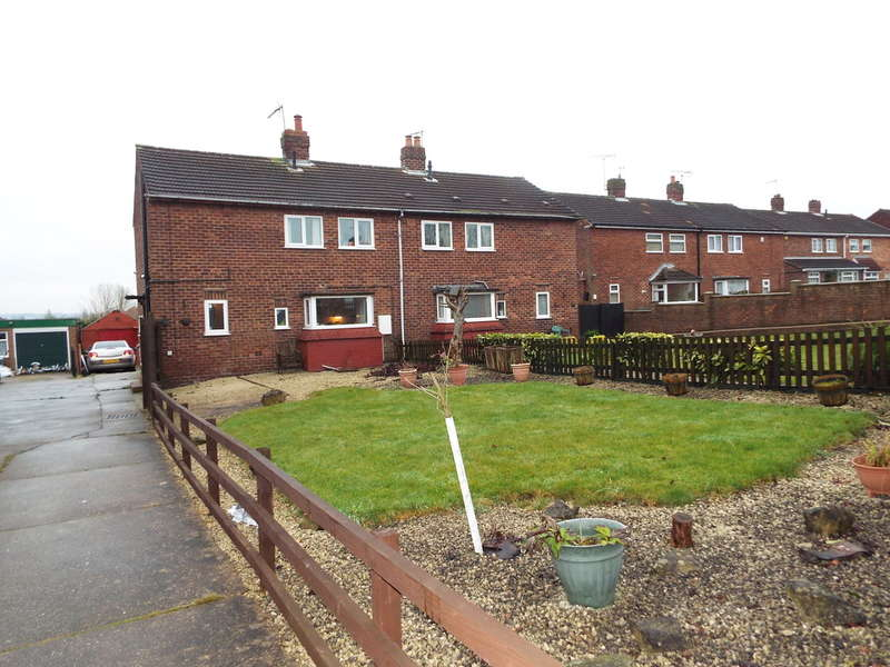 3 Bedrooms Semi Detached House for sale in Rogers Avenue, Creswell, .Worksop
