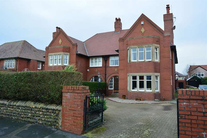4 Bedrooms Semi Detached House for sale in Lytham Road, South Shore, Blackpool, FY4 1SA