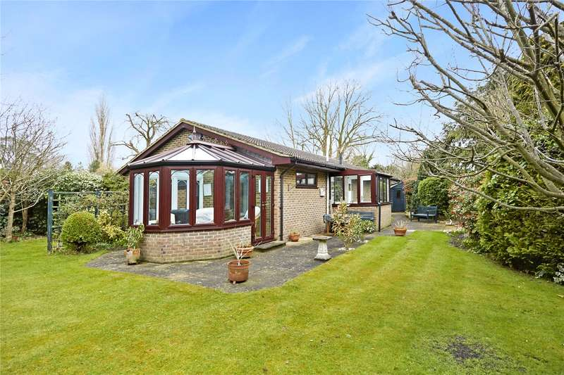 2 Bedrooms Detached Bungalow for sale in Hylands Road, Epsom, Surrey, KT18