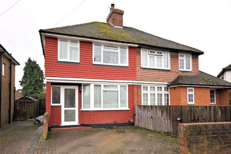 3 Bedrooms Semi Detached House for sale in Selwood Road, Old Woking, Surrey, GU22