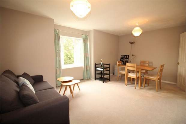 1 Bedroom Flat for sale in Franklin Way, Croydon, Surrey