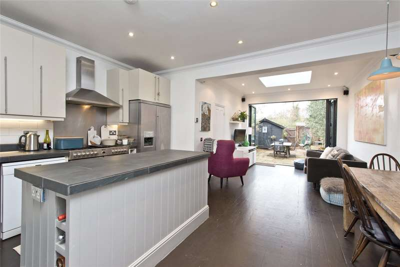 3 Bedrooms End Of Terrace House for sale in Ashcombe Road, London, SW19
