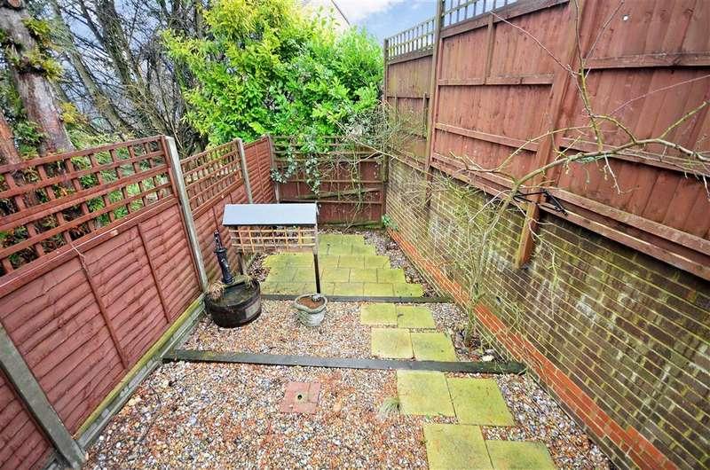 1 Bedroom Terraced House for sale in Dunedin Drive, Dover, Kent