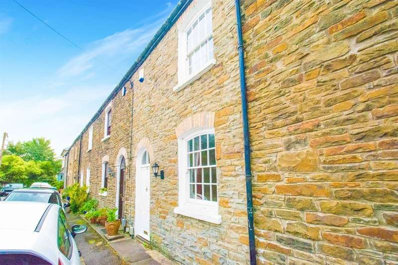 2 Bedrooms Cottage House for sale in Alfred Terrace, Taffs Well, Cardiff
