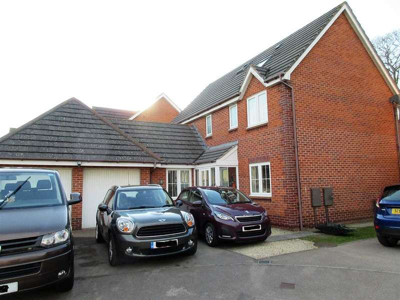 6 Bedrooms Detached House for sale in Yew Tree Rise, Rogiet, Caldicot