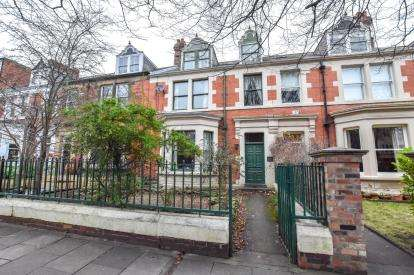 1 Bedroom Flat for sale in West Avenue, Gosforth, Newcastle Upon Tyne, Tyne and Wear, NE3