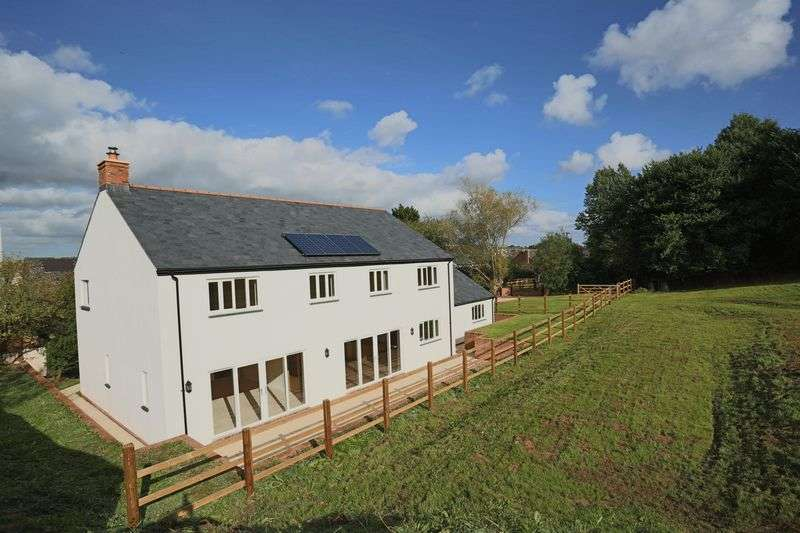 4 Bedrooms Detached House for sale in Copplestone, Nr Exeter.