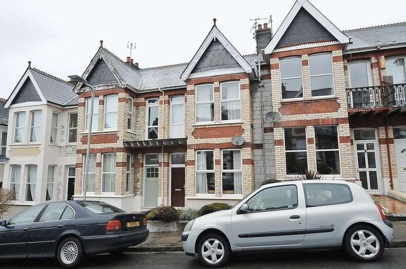 3 Bedrooms Terraced House for sale in Thornbury Park Avenue, Plymouth. 3 Bedroom Family home in Peverell.