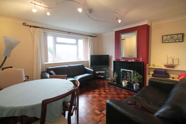 2 Bedrooms Maisonette Flat for sale in Ogwen Drive, Cardiff, CF23