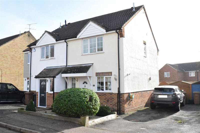 3 Bedrooms Semi Detached House for sale in Golding Thoroughfare, Chelmer Village, Chelmsford