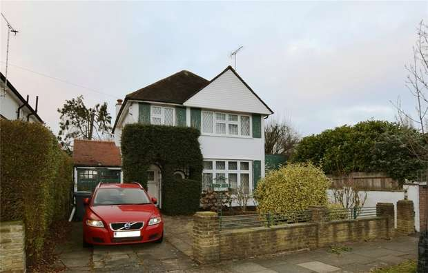 4 Bedrooms Detached House for sale in Pebworth Road, HARROW, Middlesex