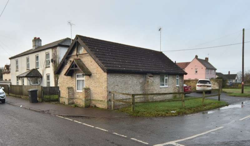 3 Bedrooms Detached Bungalow for sale in Beeches Road, West Row, Bury St. Edmunds