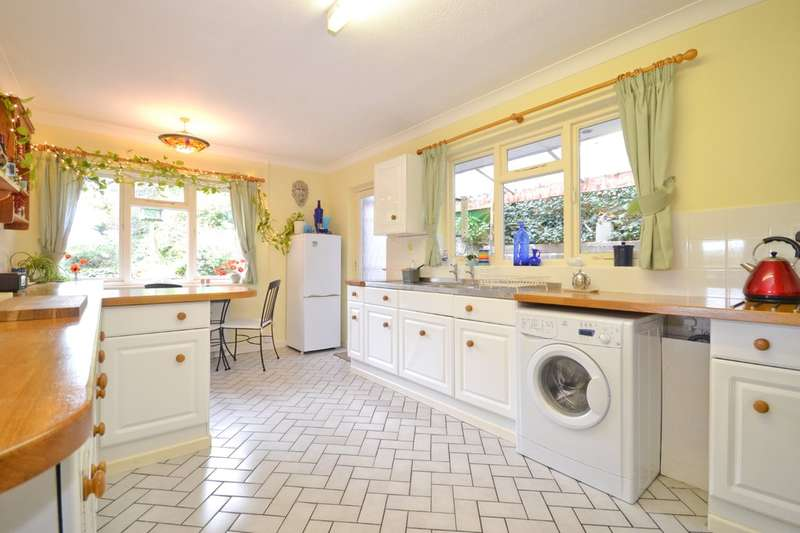 3 Bedrooms Detached Bungalow for sale in Niton, Isle Of Wight