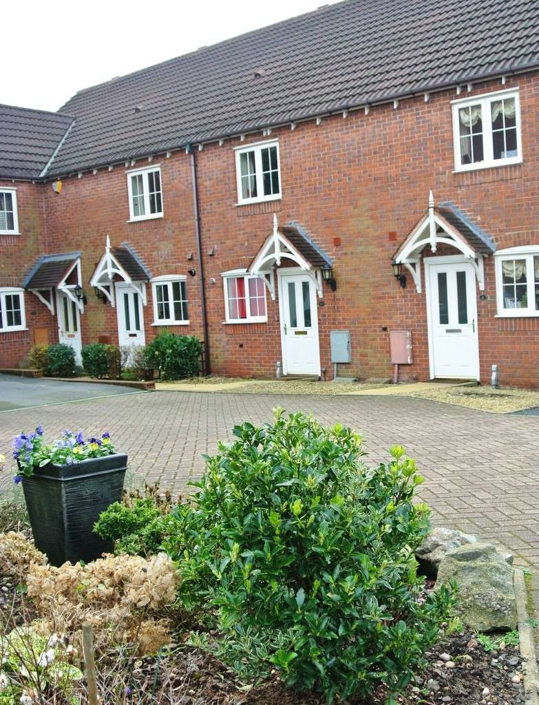 2 Bedrooms Terraced House for sale in Woodman Grove, Sutton Coldfield