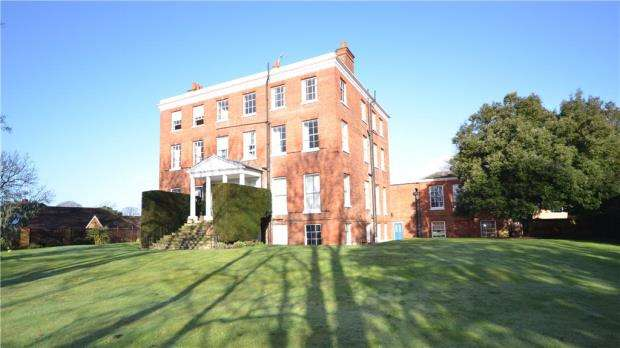 2 Bedrooms Apartment Flat for sale in Ray Lodge, Ray Park Avenue, Maidenhead