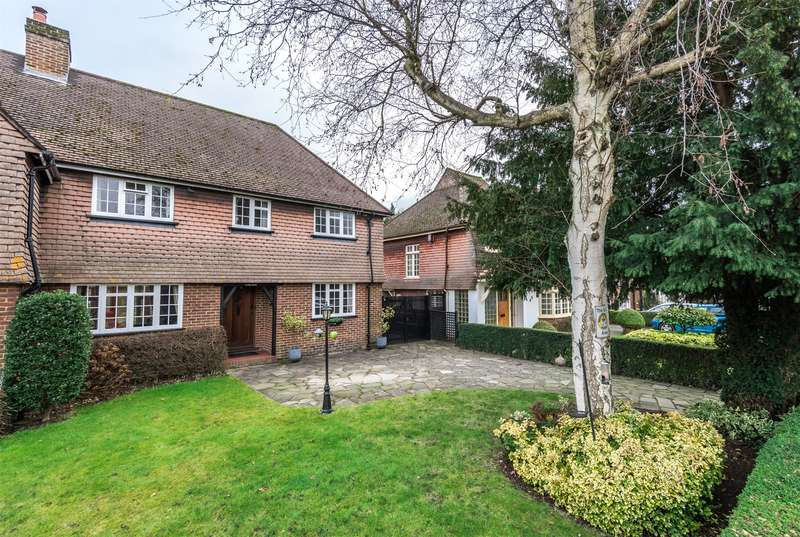 4 Bedrooms Semi Detached House for sale in London Road South, Merstham, Redhill, Surrey, RH1