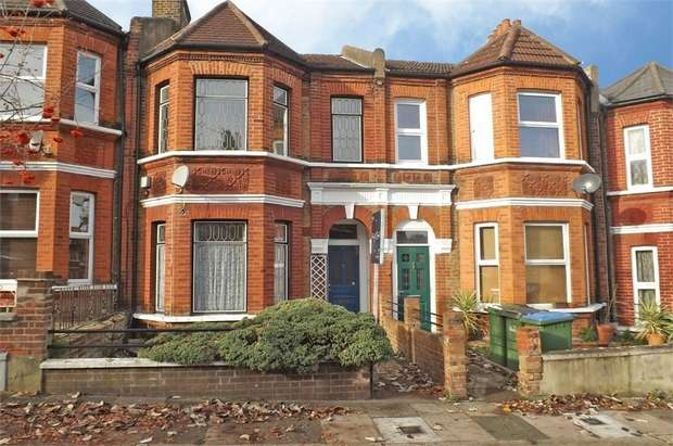 3 Bedrooms Terraced House for sale in Vernham Road, London