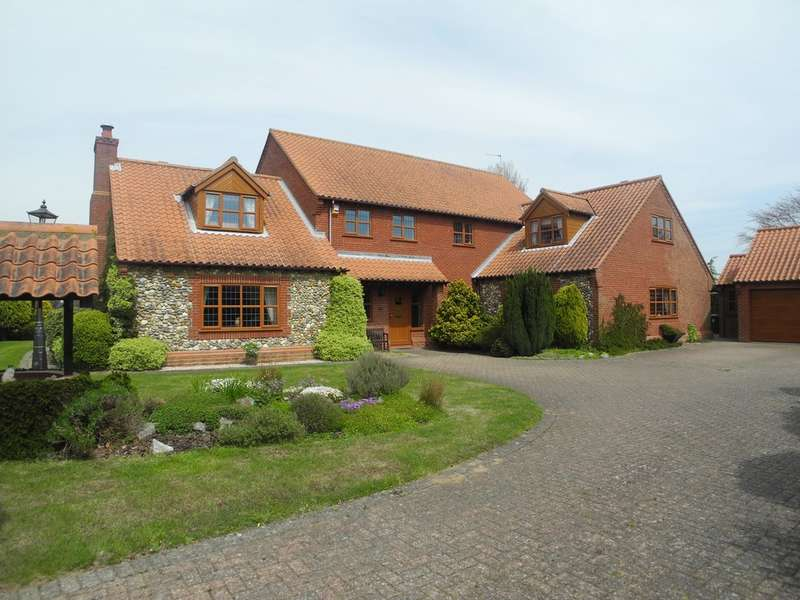 4 Bedrooms Detached House for sale in Dickens Court, Blundeston