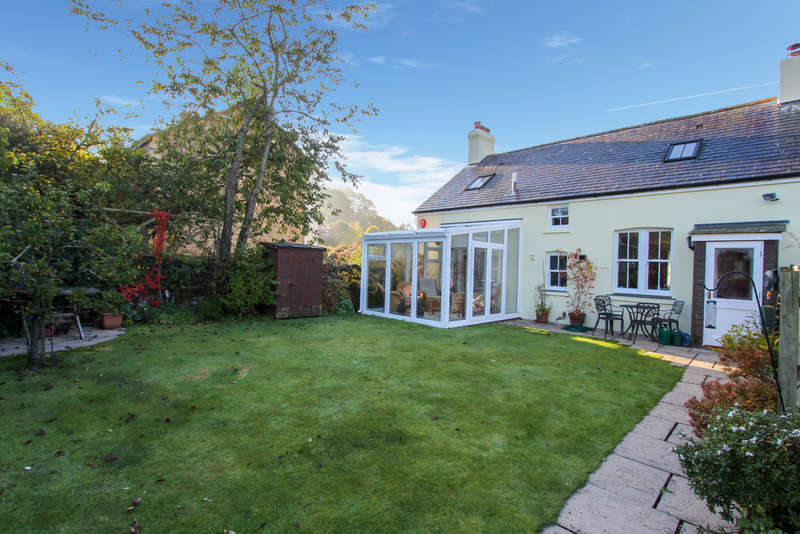 3 Bedrooms Semi Detached House for sale in Brook House, Lustleigh