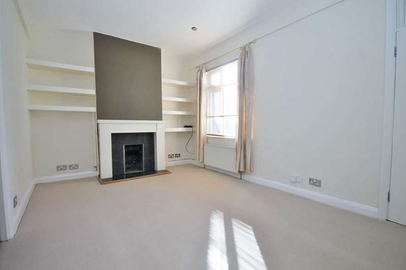 2 Bedrooms Flat for sale in Central Road, Worcester Park