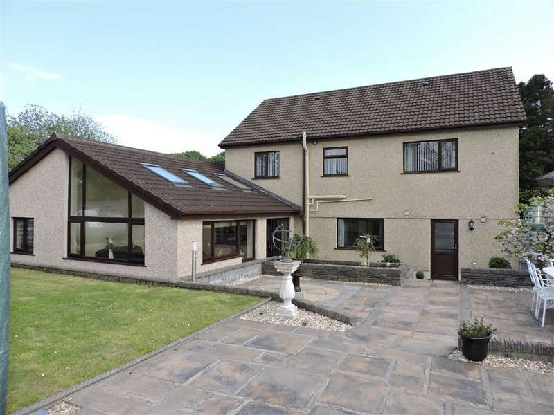 4 Bedrooms Detached House for sale in Golwg Y Mynydd, Craig-Cefn-Parc