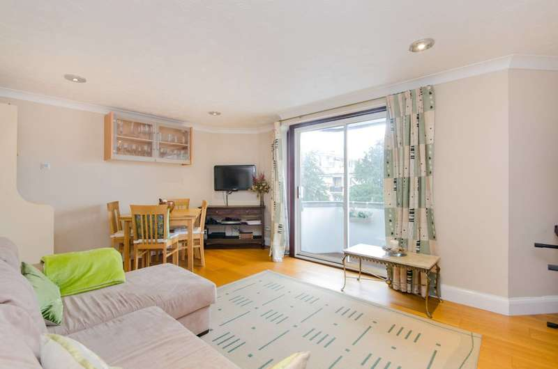 1 Bedroom Flat for sale in Inner Park Road, Wimbledon, SW19