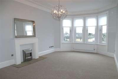 2 Bedrooms Flat for rent in Crow Road, Jordanhill