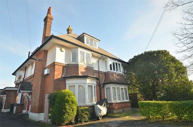 2 Bedrooms Flat for sale in Portchester Road, Bournemouth, Dorset