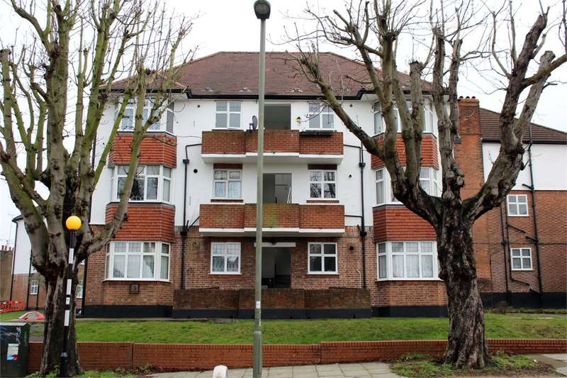 2 Bedrooms Flat for sale in Monkswell Court, Colney Hatch Lane, Muswell Hill, London
