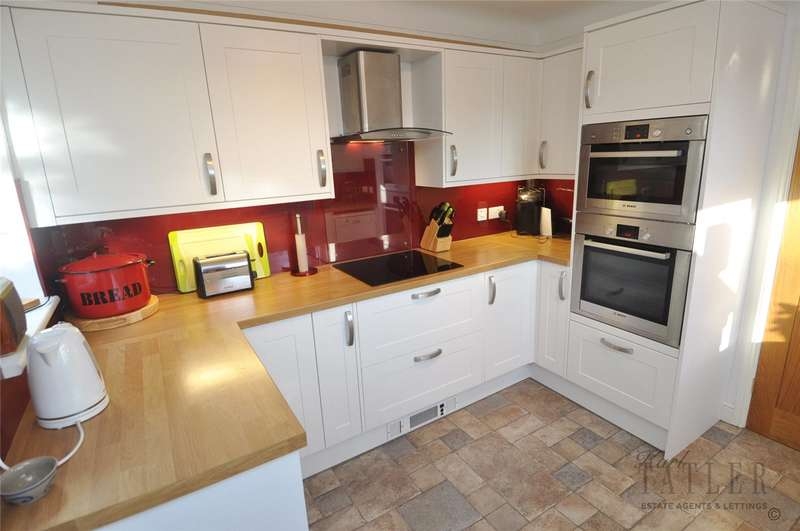 2 Bedrooms Detached Bungalow for sale in Sandringham Avenue, Hoylake, Wirral