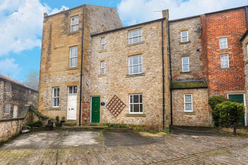 2 Bedrooms Terraced House for sale in Buxton Road, Bakewell