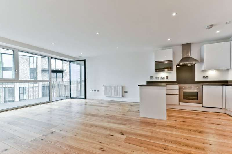 3 Bedrooms Apartment Flat for sale in St. Vincent Court, Hoy Street, Canning Town, E16