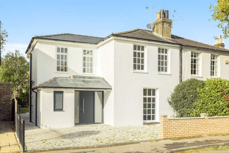 4 Bedrooms Semi Detached House for sale in East Molesey
