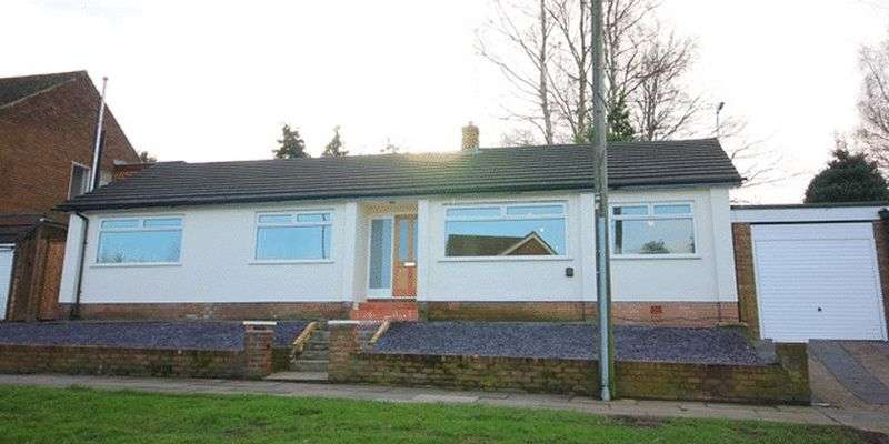 3 Bedrooms Detached Bungalow for sale in Barnham Drive, Childwall, Liverpool, L16