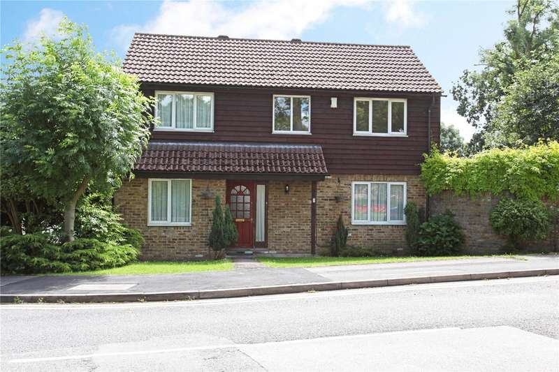 4 Bedrooms Detached House for sale in The Briars, Langley, Berkshire, SL3