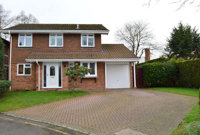4 Bedrooms Detached House for sale in Woodhurst Lane, Wokingham, Berkshire, RG41 1JQ