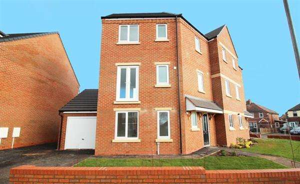 4 Bedrooms Semi Detached House for sale in Spring Lane, Walsall