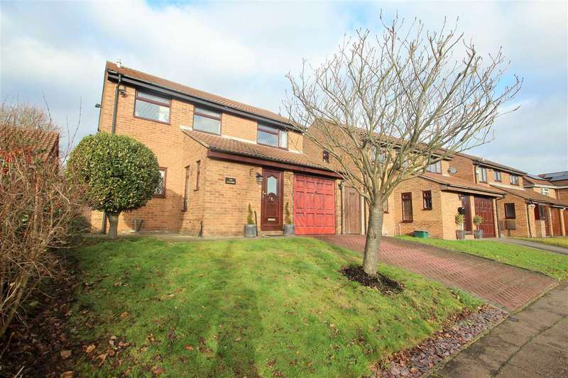 3 Bedrooms Detached House for sale in Firstore Drive, Lexden, Colchester