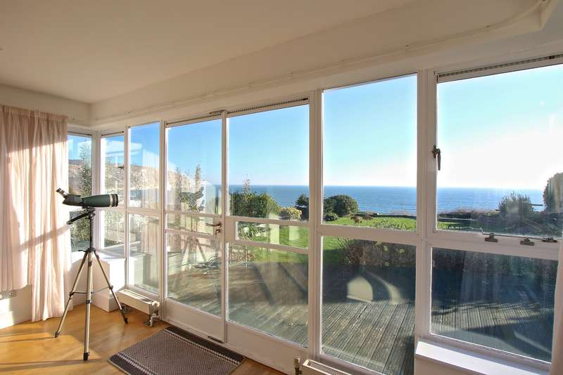 3 Bedrooms Detached Bungalow for sale in BALLARD ESTATE, SWANAGE