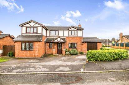 4 Bedrooms Detached House for sale in Oak Dene, Cross Lanes, Wrexham, Wrecsam, LL13