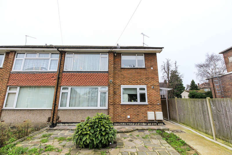 2 Bedrooms Maisonette Flat for sale in Margaret Way, Ilford